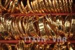 Giá vàng châu Á 'kẹt' dưới ngưỡng 1.200 USD/ounce