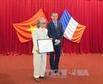 Pháp tặng huân chương cho hai người Huế