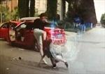 Tài xế 'điên' Trung Quốc đá phụ nữ túi bụi trên phố