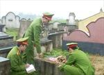 Đập vỡ bát hương ở nghĩa trang... vì không muốn ly hôn
