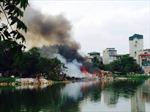 Cháy khu nhà tạm ven hồ Linh Quang, Hà Nội