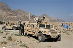 Mỹ giao 52 xe Humvee và 1 tàu tuần tra cho Tunisia
