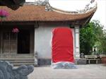 Mới di dời một nửa số bia đá 'dựng chui' ra khỏi di tích đền Trần
