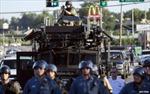 Mỹ hạn chế cảnh sát sử dụng vũ khí, khí tài