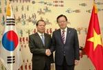 Phó Thủ tướng Vũ Văn Ninh thăm làm việc tại Hàn Quốc