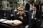 Tòa yêu cầu công bố 55.000 trang thư điện tử của bà Clinton