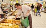Siêu thị Pháp đem thực phẩm thừa làm từ thiện