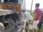 Xe máy đâm vào đuôi xe tải làm 2 người tử vong