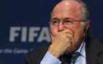 Những dấu hỏi xung quanh việc Sepp Blatter từ chức