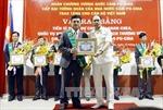 Campuchia tặng Huân chương cấp Đại tướng quân cho cán bộ Việt Nam