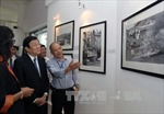 Chủ tịch nước thăm Triển lãm ảnh chiến tranh Việt Nam của AP
