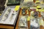 Hong Kong bắt 10 nghi can âm mưu chế tạo bom