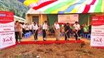 Hỗ trợ học sinh dân tộc thiểu số ở Cao nguyên đá Đồng Văn