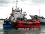 Lai dắt tàu cá và 8 ngư dân bị nạn vào bờ an toàn