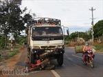 Xe tải kéo rê công nông, 14 người thương vong