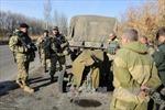 Donetsk cáo buộc Kiev tái triển khai xe tăng và tên lửa