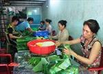 Làng nghề truyền thống gói bánh chưng ngày giáp Tết