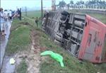 Lật xe khách trên QL 21B, 7 người bị thương