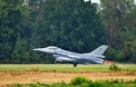 Mỹ bán 8 chiến đấu cơ F-16 cho Pakistan