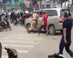 Bắt tài xế lao xe vào CSGT giữa trung tâm Hà Nội