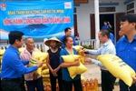 Tân Hiệp Phát tặng gạo, dầu ăn cho ngư dân Quảng Bình, Hà Tĩnh