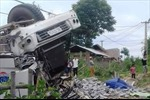 Lật xe tải khiến 3 người tử vong ở Thanh Hóa
