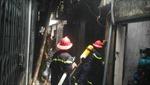 Dập tắt đám cháy trong ngõ Thái Hà
