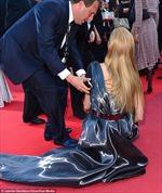 """Chân dài Séc """"vồ ếch"""" trên thảm đỏ Cannes"""