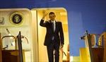 Khoảnh khắc Tổng thống Obama xuống sân bay Nội Bài