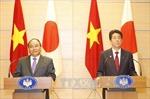 Thủ tướng Nguyễn Xuân Phúc và Thủ tướng Abe họp báo chung