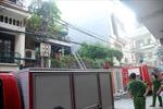 Cháy nhà trên phố Yên Lạc