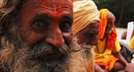 """Đạo sĩ người Ấn sống 120 tuổi nhờ """"kiêng"""" phụ nữ và gia vị"""