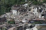 Italy sẽ ban bố tình trạng khẩn cấp tại khu vực bị động đất