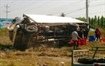 Xe tải nổ lốp gây tai nạn, 3 người thương nặng