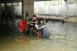 TP.HCM: Tiếp tục bơm nước cứu bãi 1.000 xe máy