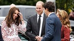Công nương Anh e thẹn trước Thủ tướng Canada điển trai