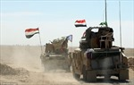 Xe quân sự rầm rập tiến về đập tan thành trì cuối cùng của IS ở Iraq