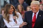 Nghi vấn vợ siêu mẫu của ông Trump đòi ly dị