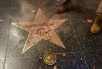 Ngôi sao của ông Trump trên Đại lộ Danh vọng bị đập nát vụn