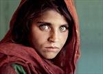 Cô gái Afghanistan trong bức ảnh nổi tiếng thế giới phải ngồi tù