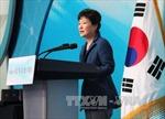 """Tổng thống Hàn Quốc cải tổ nội các giữa """"sóng gió"""""""