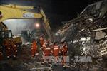 Sập nhà tại Trung Quốc, 5 người bị chôn vùi