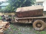 Tạm giữ xe container chở gỗ căm xe trên đường Hồ Chí Minh