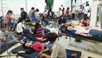 Hàng chục công nhân phải nhập viện sau bữa trưa