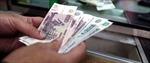 Lo ngại đồng ruble lao dốc, người Nga ồ ạt thu mua ngoại tệ