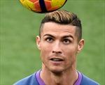 """Đón Quả bóng vàng, Cristiano Ronaldo khoe tóc """"dát vàng"""""""