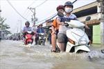 Áp thấp gây gió giật mạnh trên Biển Đông, Nam Bộ mưa lớn