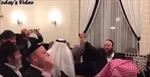 Dự tiệc ở Bahrain, người Do Thái và người Hồi giáo nắm tay nhảy múa