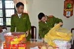 Kon Tum bắt giữ 30kg pháo trên xe khách