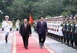 Tin, ảnh về chuyến thăm Việt Nam của ông Abe 'chật kín' báo Nhật